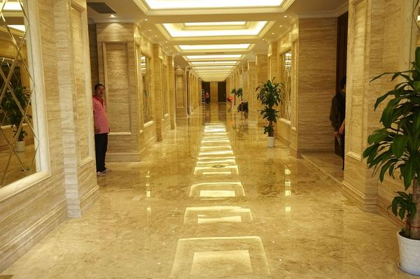 sàn đá đươcj sử dụng nhiều tại các nhà hàng khách sạn sang trọng