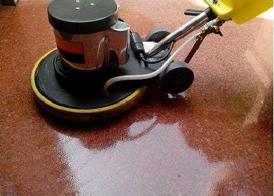 Máy đánh sàn chuyên nghiệp cần được huấn luyện trước khi sử dụng